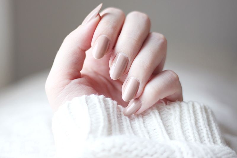 Nude nailpolish