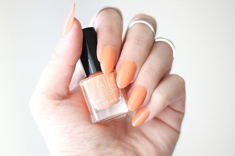 "Nailpolish, ""Bleached Orange"" fra H&M"