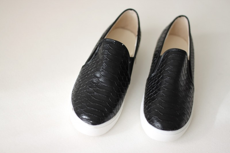 black-slipons-snakeskin